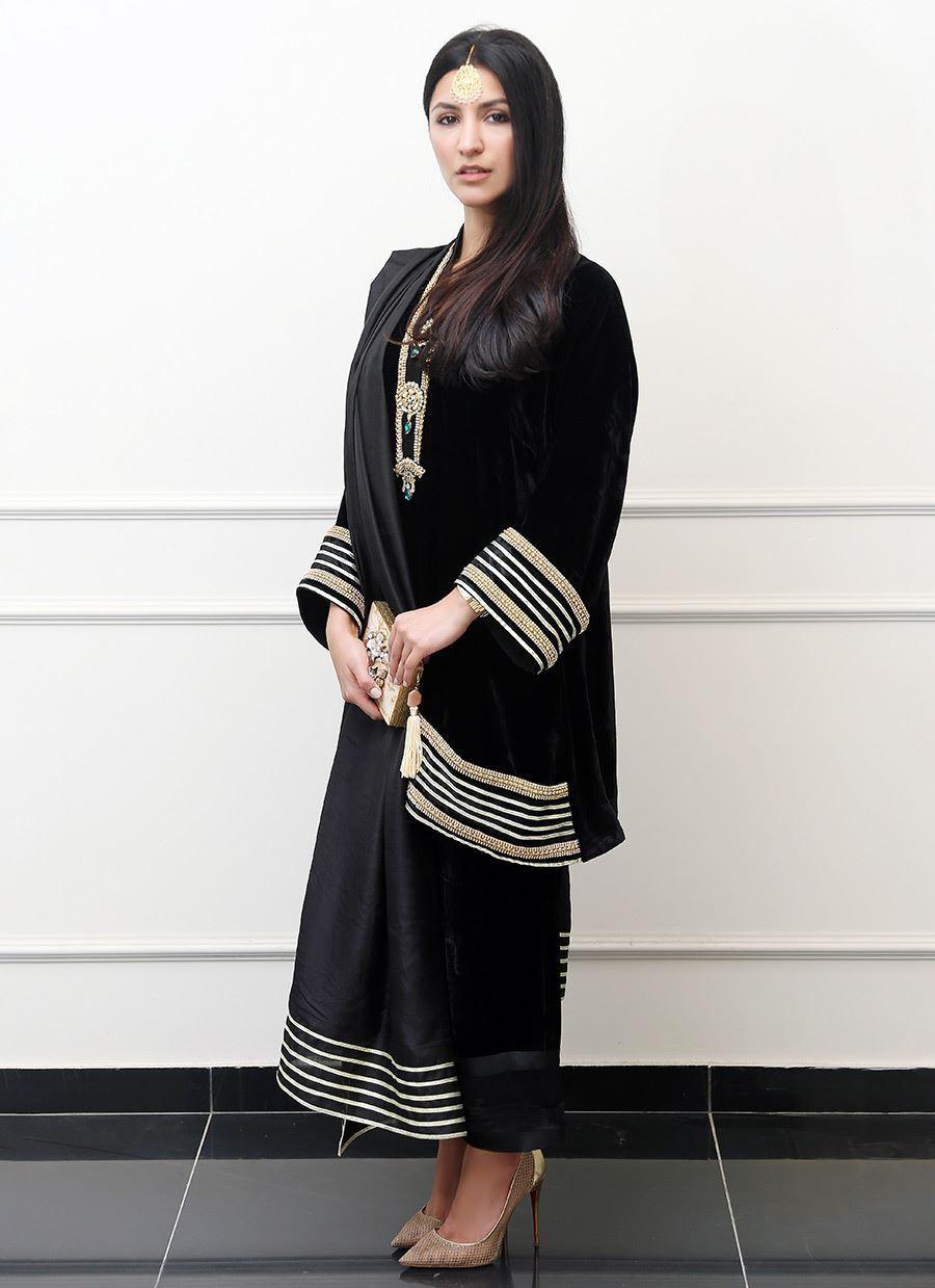 Picture of Black velvet bali