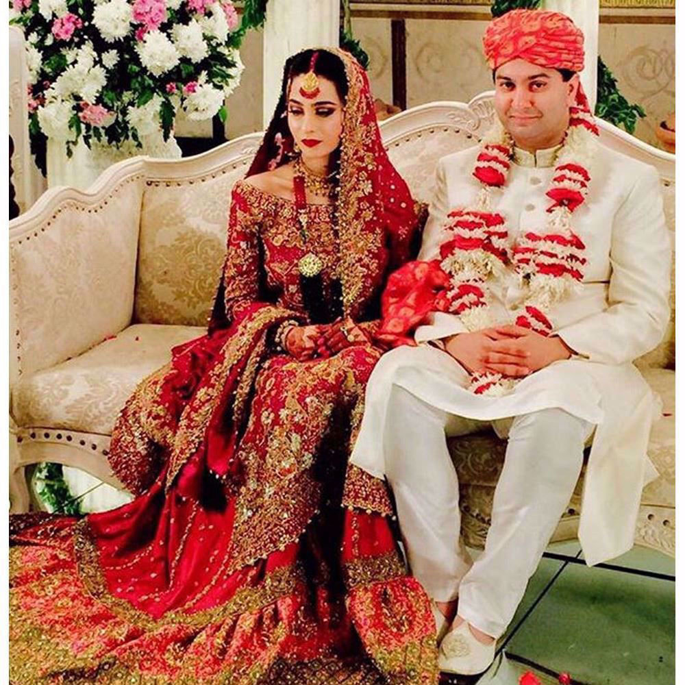 Picture of Soha Safdar looked absolutely regal in a Farah Talib Aziz scarlet red bridal