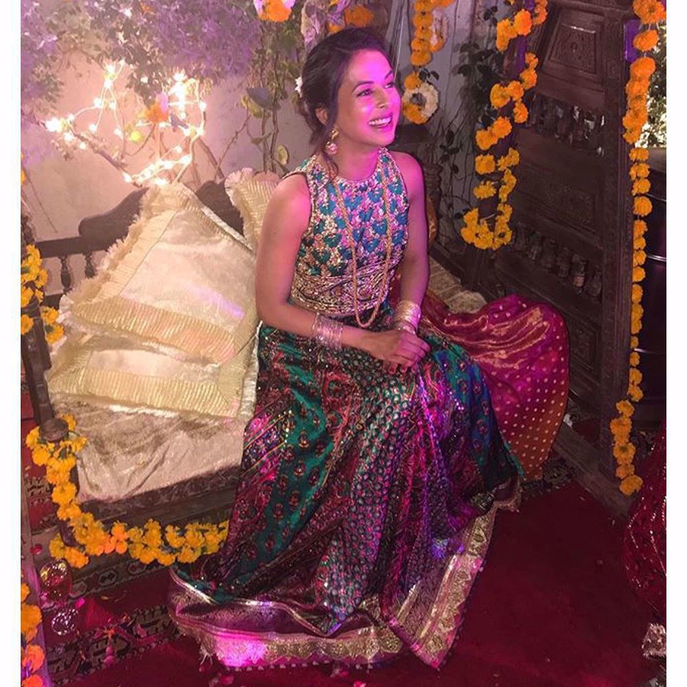 Picture of The happiest, the prettiest, the effortlessly cool Farah Talib Aziz Mehndi brides