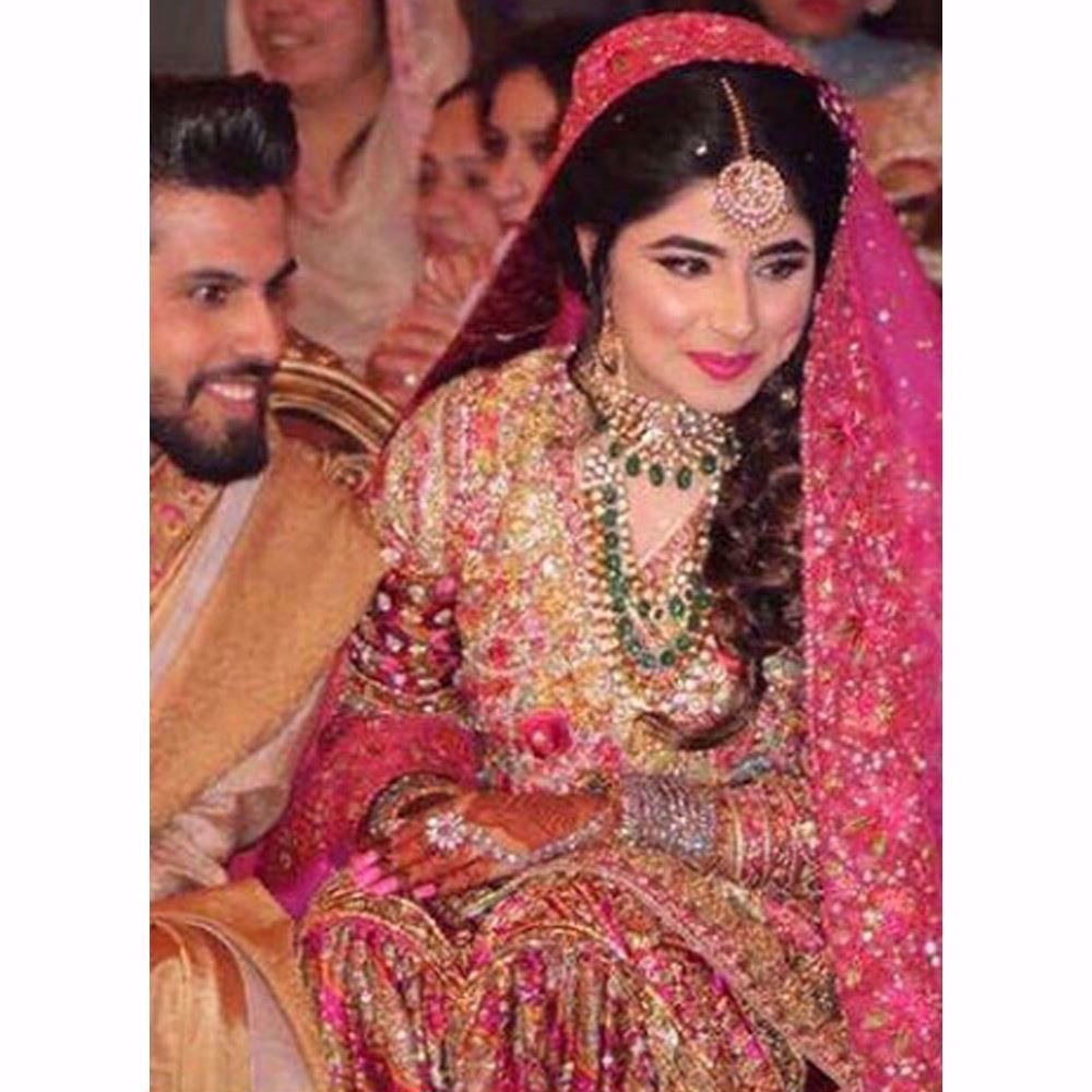 Picture of The perfect balance between timeless and festive Mehndi bridals!