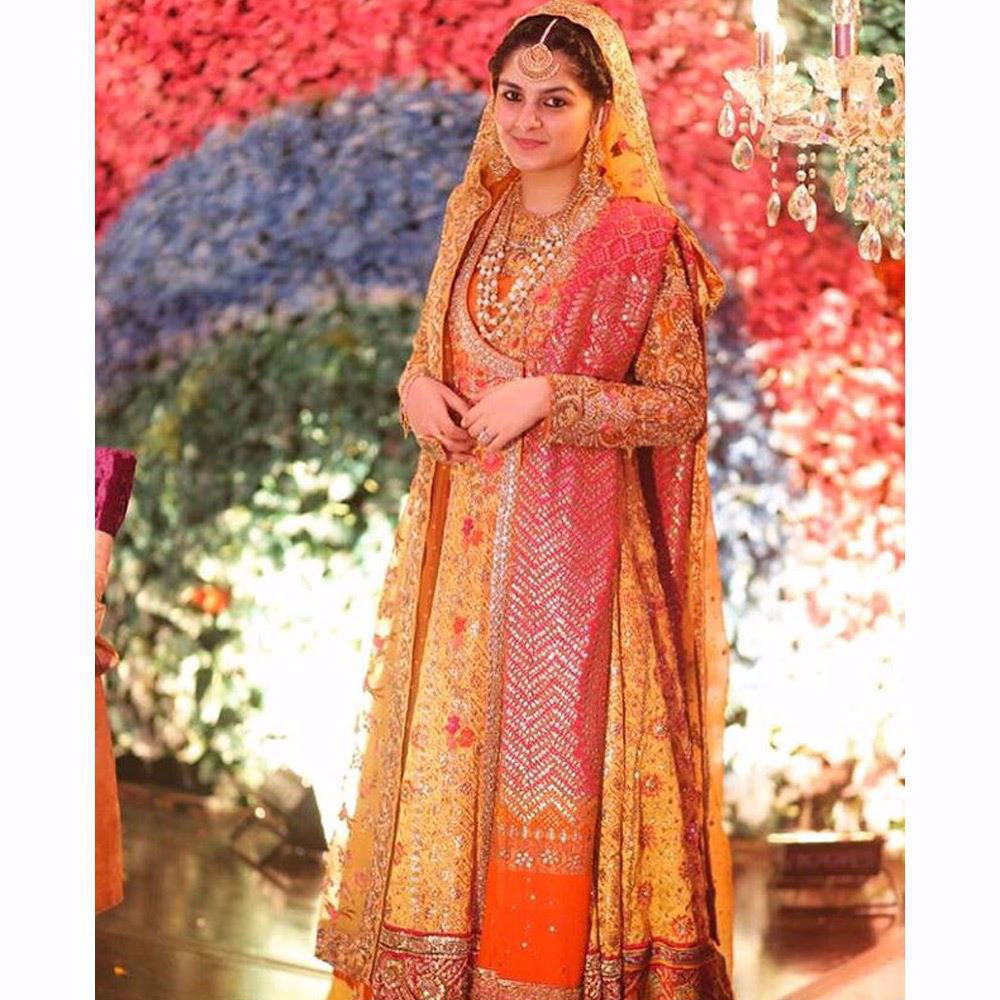 Picture of We love this regal, classic look on Rabia