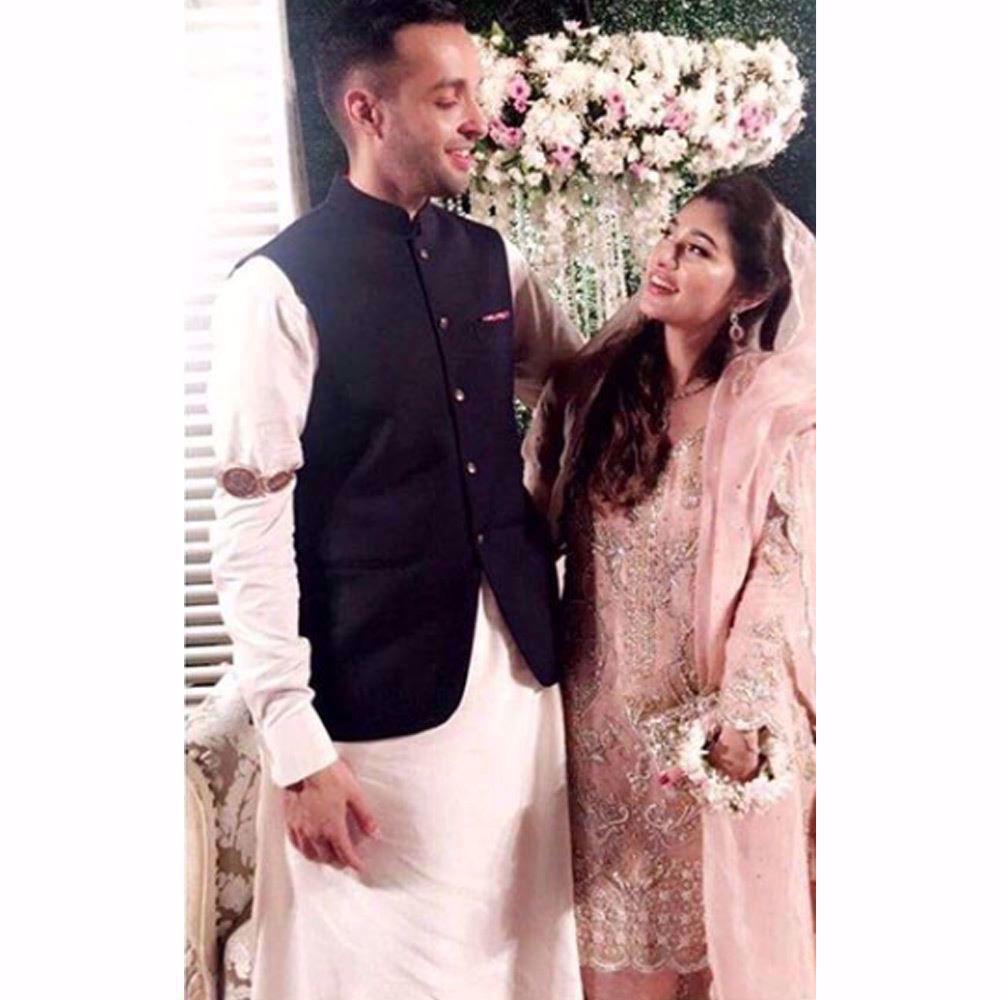 Picture of Sharmeen M Ali looking pretty in a blush pink Farah Talib Aziz ensemble