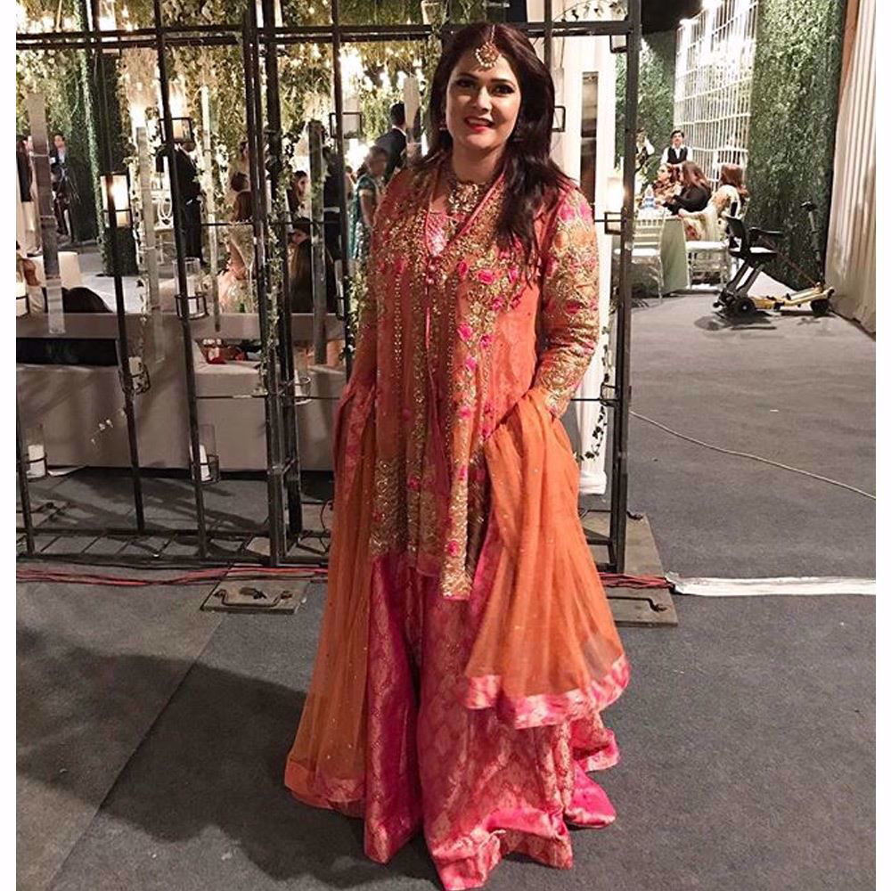 Picture of Noreen Lakhani looked beautiful in a festive Farah Talib Aziz coral and pink ensemble