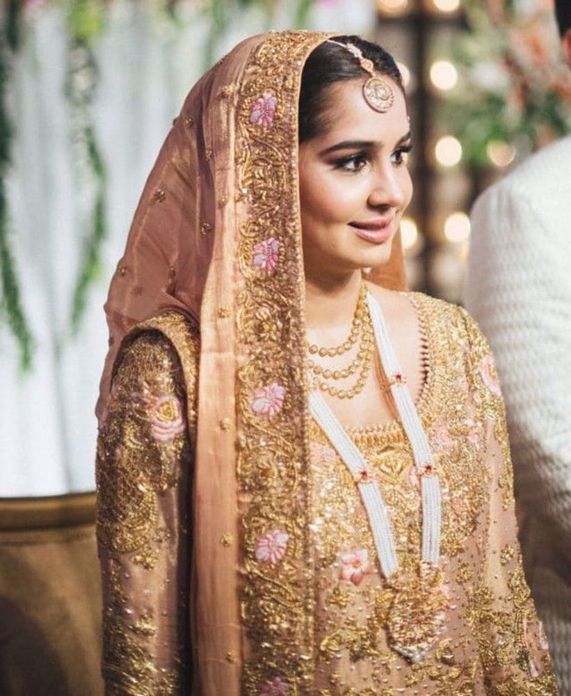 Picture of Zahra Khan looking exquisite at her wedding in a traditional #Farah Talib Aziz ensemble
