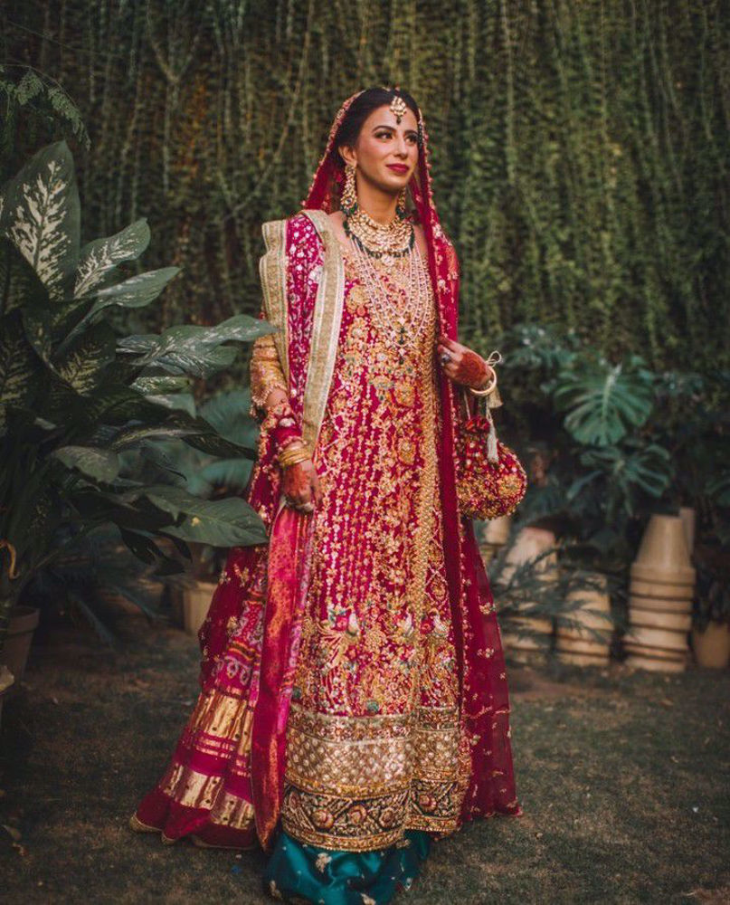 Picture of Marium Tariq, bewitchingly beautiful at her wedding in a signature Farah Talib Aziz