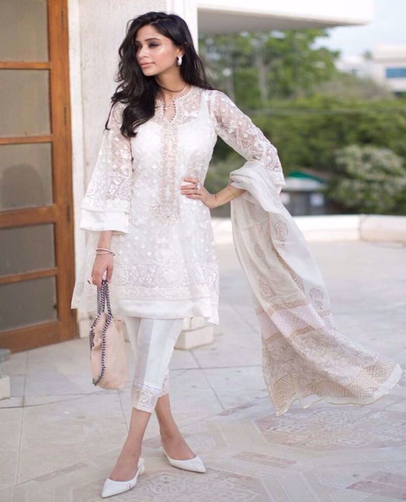 Picture of The gorgeous #MuziSufi wears one of our favourite ivory Luxe Pret looks from the latest #FarahTalibAziz Eid collection #Nureh this Eid