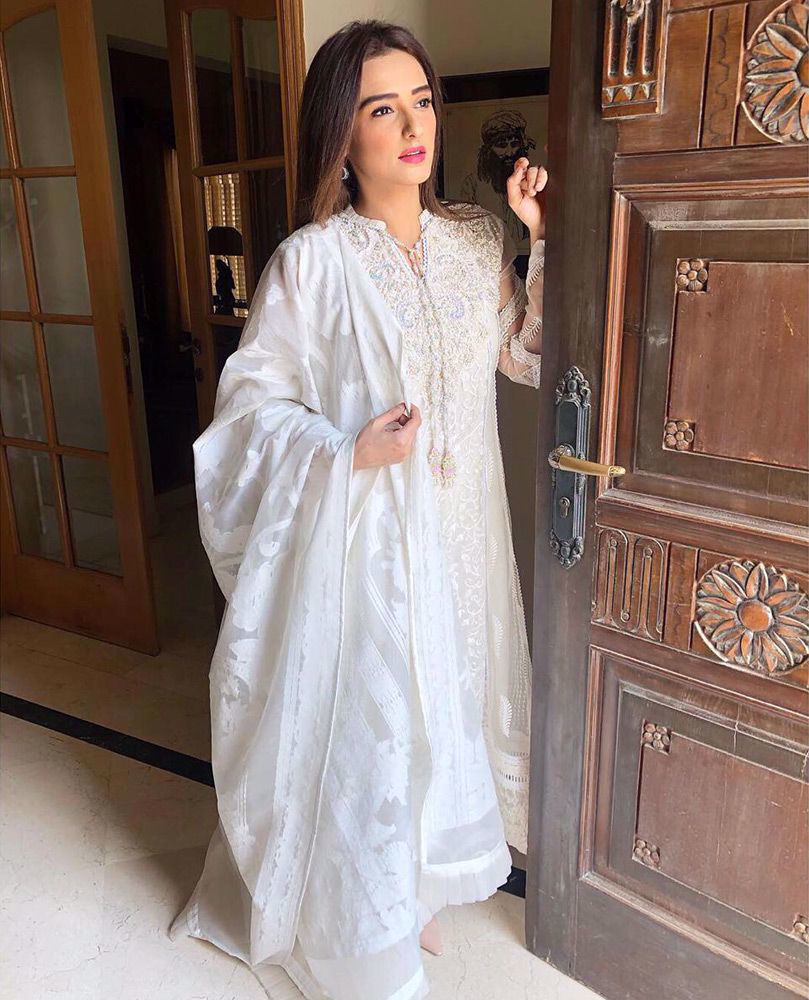 Picture of The gorgeous #MomalSheikh wears one of our favourite ivory classics from the latest #FarahTalibAziz Eid collection #Nureh this Ramadan