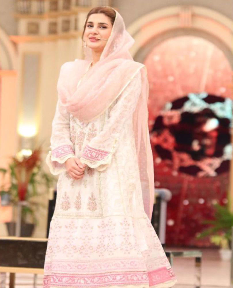 Picture of The gorgeous #KubraKhan wears one of our favourite ivory and rose classics from the latest #FarahTalibAziz Eid collection #Nureh this Ramadan