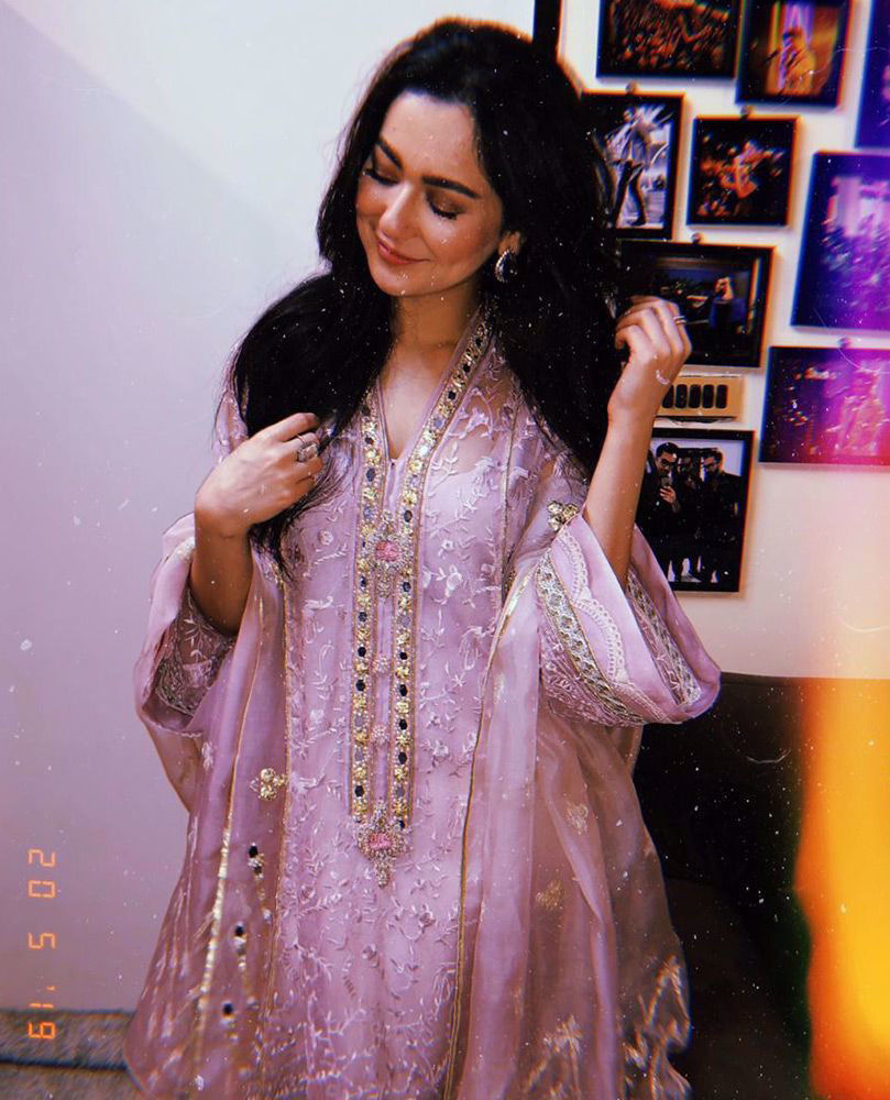 Picture of #HaniaAamir beautiful in a mauve hand embellished #FarahTalibAziz luxe Pret outfit that's perfect for all festivities!