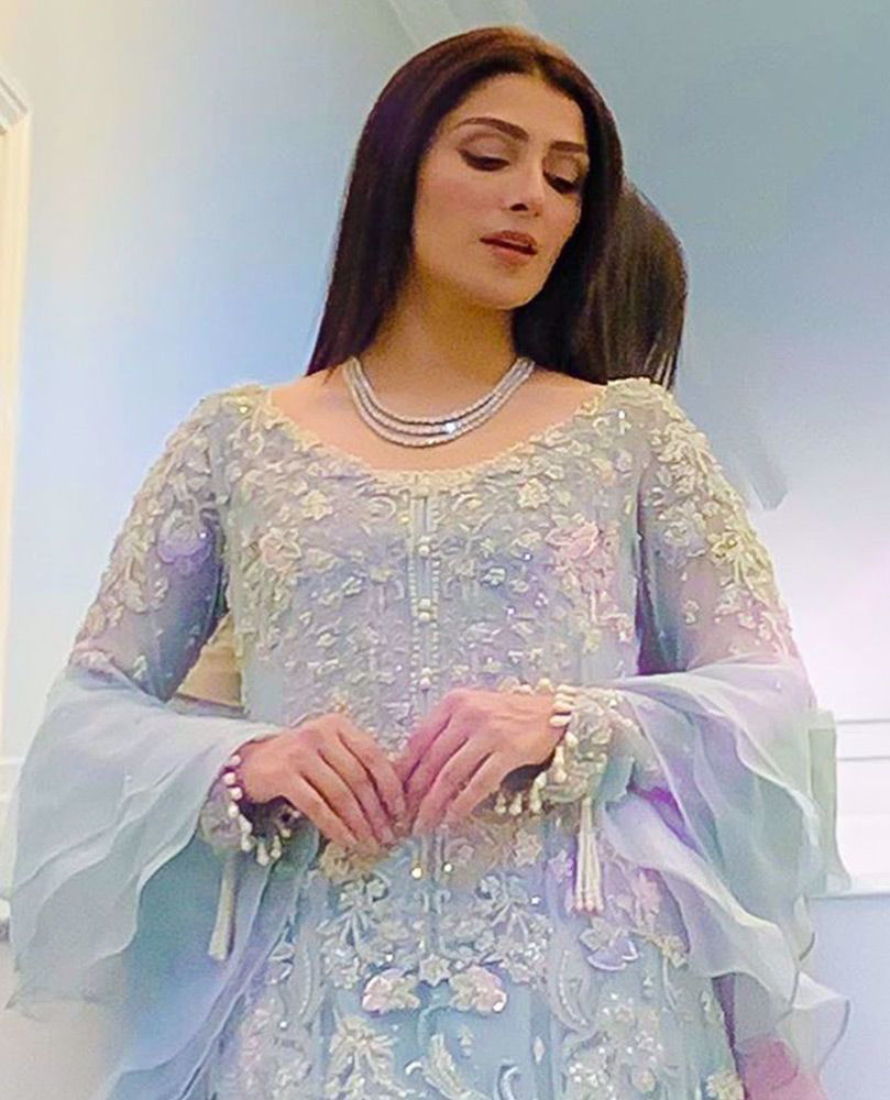 Picture of #AyezaKhan looks gorgeous in a signature #FarahTalibAziz ensemble, meticulously hand-worked with pearls, Swarovski crystals and silk thread-work in shades of pale lilac and blush pink